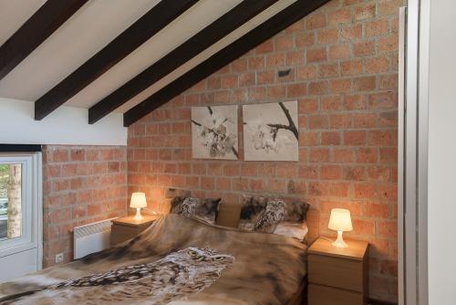 slaapkamer met tweepersoonsbed bovenverdieping